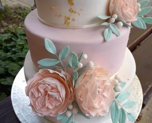 marcipános esküvői torta